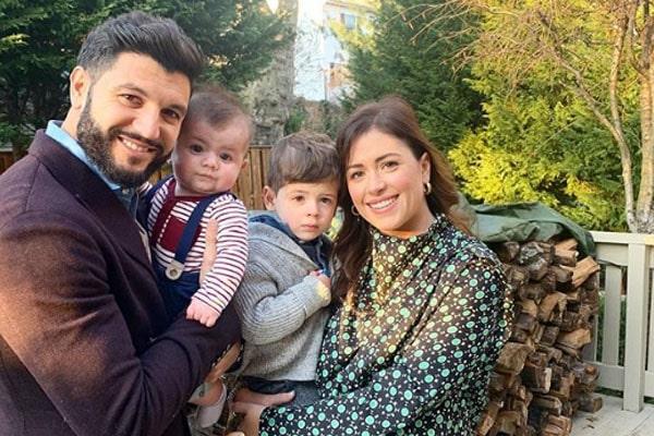 Chloe Melas' children