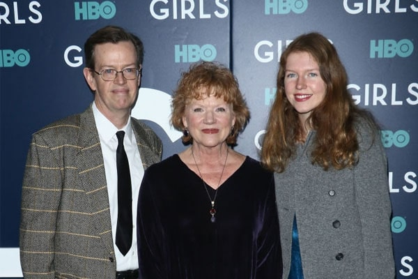 Becky Ann Baker's daughter, Willa Baker