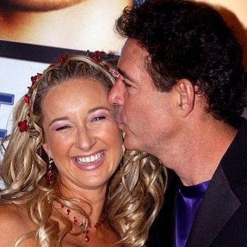Married From 1999 To 2005, Learn More About Barry Williams' Ex-wife Eila Mary Matt. Divorce Reasons