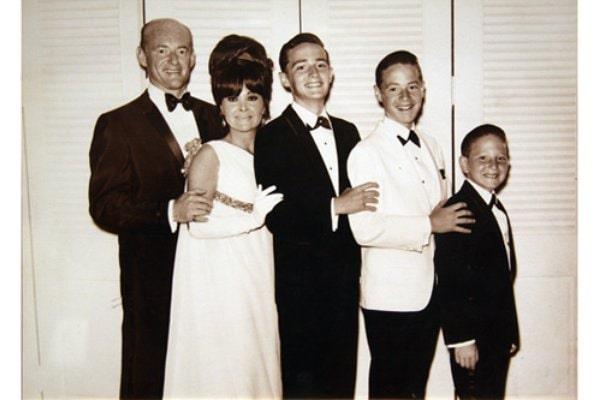 Tom Kreiss's parents and siblings