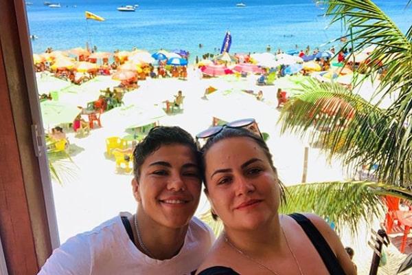 Jessica Andrade's wife, Fernanda Gomes
