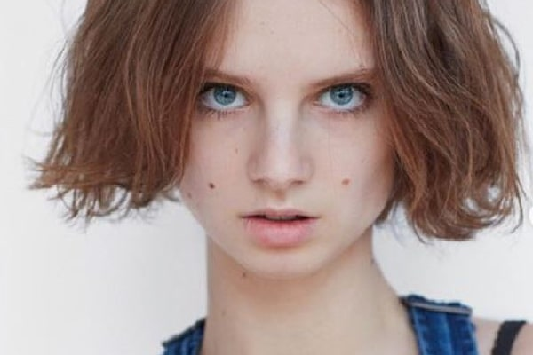 Emerging model Giselle Norman