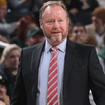Mike Budenholzer Is A Father Of Four, Meet All Of Them