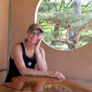 Meet Sarah Ludden – Photos Of Allen Ludden's Daughter With Margaret McGloin