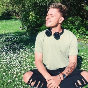 Is Tom Harlock Gay? Had Tweeted About His Ex-Girlfriend Once