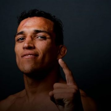 Charles Oliveira Net Worth – Income And Earnings As An MMA Fighter