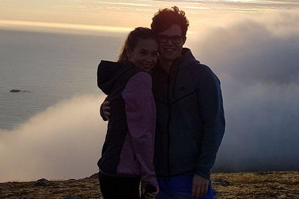 Magnus Carlsen girlfriend, Elisabet Lorentzen Djønne, Magnus Carlsen's ex-girlfriend, Synne Kristin Larsen